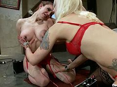 Both kinky vixens Bobbi Starr and Lorelei Lee are going to play with a submissive girl in this femdom lesbian threesome with face sitting and toying.