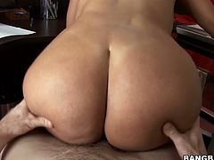 Thickalicious MILF with big booty, juicy jugs and tiny belly is extremely seductive woman. She bounces her bottom on a hard shaft before getting banged hard from behind.