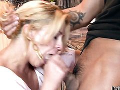 Keni Styles explores the depth of sexy Phyllisha Annes bum with his tool before dick sucking