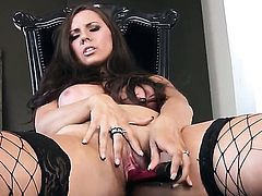 Alektra Sky shows every inch of her body before her plays with herself on cam