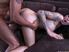 Frantic tattooed brunette Juelz Ventura fucks hard and gets facial