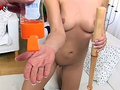 This spoiled brunette loves pussy fisting more than anything on Earth. She stretches her pussy with a basebal bat to get it ready for hot fisting session.