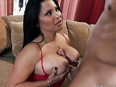 Danny Mountain gets pleasure from fucking Sophia Lomeli in her cunt