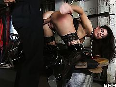 India Summer cant resist Keiran Lees rock hard fuck stick and takes it in her butt