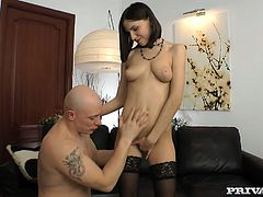 Watch this hot and horny brunette Kloe giving a nice blowjob to her new friend with his large cock in Private sex clips.