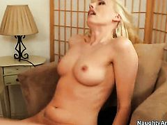 Darryl Hanah lets Kris Slater put his cock in her pussy