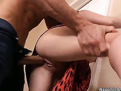 Bruce Venture gets seduced by Lovely hoochie Lily Carter and then fucks her beaver
