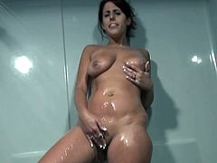 Oh my gash she's damn sexy. Her juicy body under water is so attractive and magnectic. Have a look at this horny milf in ChickPss Network xxx video!