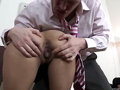 Kitty Jane and her hard dicked bang buddy Ian Scott both enjoy blowjob session after deadeye fucking