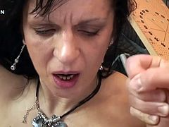 Check out how the mature slut Lisa Jane gets fucked hard and then takes a facial from this guy who prefers experience above anything else.