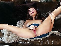 Sabrina Maree with juicy tits and bald bush plays with herself to orgasm in solo scene