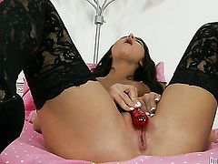 Glamorous temptress Giselle Leon can't live a day without masturbating