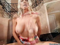Kris Slater can't wait any more to put his snake in fuck crazed Emma Starr's love box