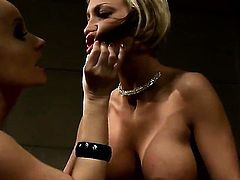 Blonde goddess Pearl Diamond with juicy tits groans in lesbian sexual ecstasy with Katy Parker