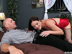 Samantha Ryan loses control after Johnny Sins sticks his boner in her mouth