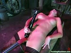 And she does it with a purpose to get drilled by a fucking machine. Her body gets so sensual, when the machine pokes her cunt hard!