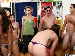 Rachel Starr licks Alexis Fawxs snatch like a pro  in girl-on-girl action