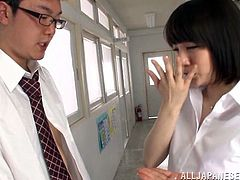Her name is Airi Suzumura and she is going to have fun in the office with her colleague. To be more specific, honey gives him an amazing head.