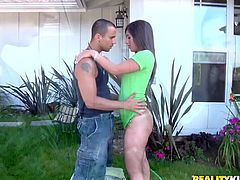 Sexy bitch Alexis Breeze enjoys jumping on a cock in the yard