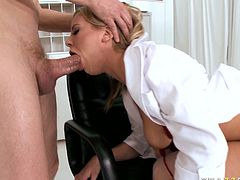 Juicy nurse with fine booty Bree Olson sends her cunt for doggy pounding