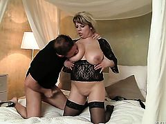 David Perry buries his hard pole in naughty Silvie Wilds mouth