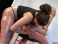 Watch this babe getting fucked in her wet pussy by some large plastic sex toys and dildos in Filthy and Fisting sex clips.