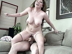 Kiki Daire has oral fun with hard dicked dude Tommy Pistol