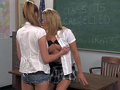 Victoria Rae Black and Aiden Aspen are horny lesbian schoolgirls that do it in the classroom. Hottie in uniform opens her legs and gets her slit tongue fucked by her lesbian classmate.