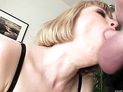 Jonni Darkko gives good looking Adrianna Nicoles mouth a try in oral action