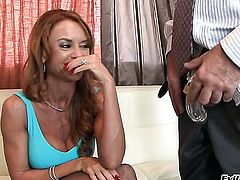 Janet Mason gets her love hole attacked by Sean Michaelss throbbing meat stick