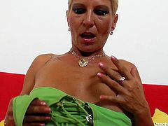 She's a Czech Cougar, that had a lot of cocks in her pussy. Watch her gaping that snatch for us and enjoying the attention, she receives. The blonde cougar takes off her clothes and spreads her thighs really wide. She knows, we want to see her stretch her pussy!