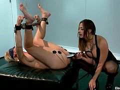 Chanel Preston is a divine BDSM bitch that knows how to use almost all the BDSM tools. She got only few of these tools to torture Simone Sonay and that's pretty enough.