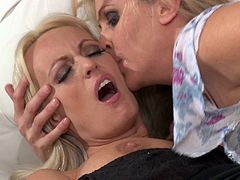 She likes a little hair on her muff and a little tongue in their assholes! She pleasures he blonde hot cougar friend then gets her pussy eaten out!
