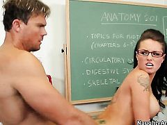 Justin Magnum plays with soaking wet bush of Christy Mack before he bangs her hard