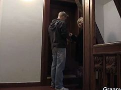 Be nice to those grannies and they will pay you back straight away. This is the strategy Jan here was following. And damn, it worked for him all right. But he did not plan nothing! Check him out walking up the stairs of his house casually and seeing a nice-looking granny having some troubles with the lock in her door. Well of course he helped her out! After that it was only natural that he was invited inside. And there, haha, you know what took place, right? The granny paid him back with copious amounts of hardcore fucking of surprising intensity!