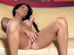Veronica Ricci strips down to her bare skin