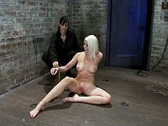 Isis Love pleases Lorelei Lee with toying after playing with her pussy