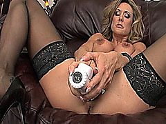 Brandi Love in Masturbation Nation 4 - The MILF Edition (Scene 17)