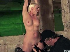 Lorelei Lee undergoes some tortures and gets an orgasm