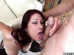 Tiffany Mynx wants dudes dick to fuck her pussy hard