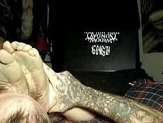 Very dirty foot worship and orgasm!