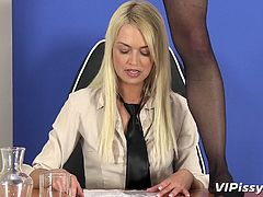 Dirty-minded lesbian hotties with slim bodies pee on each other