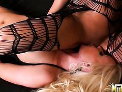 Blonde Nikki Daniels is ready to spend hours licking Molly Cavallis twat non-stop