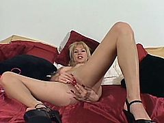 She is damn charming and so fucking hot! Honey enjoys the passion that she has all alone and touching herself is what makes her thrilled.