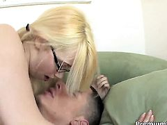 Perfect bodied sex kitten Rainie Mae finds her mouth filled with dudes stiff sausage