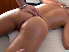 This masseur knows how to treat hot blonde customers. First he fondles and fingers her wet pussy, then drills her in missionary.