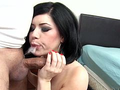 Johnny Fender is having fun with sexy brunette Bella Noire. Bella strips and shows her body to Johnny and then drives him crazy with a great blowjob.
