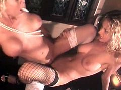 Stunning blondes with fabulous forms are stimulating one another in pure lesbian session