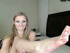 gorgeous milf virtual dildo