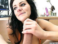 Nikki and her hot bang buddy are in the mood for oral sex